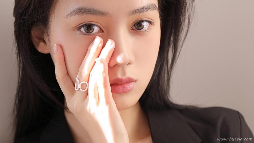 酷酷的韩系少女图片
