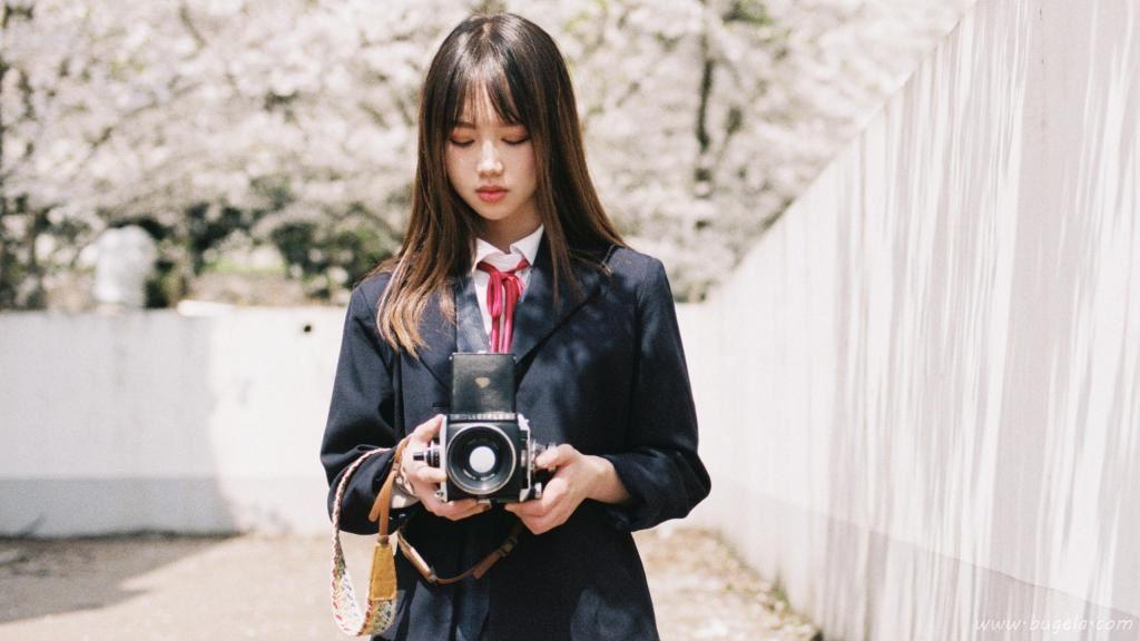 樱花下的少女日系写真图片