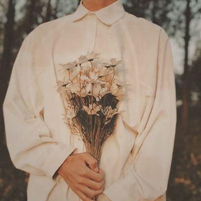 情侣头像送玫瑰的彩色的 带花清新图片