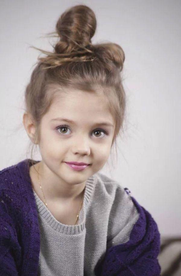 时尚甜美小萝莉高清图片