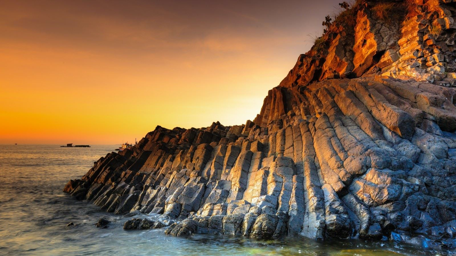 唯美迷人的海边风光壁纸图片